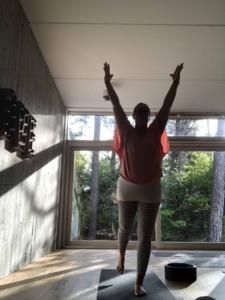 helden-asana-übung-yoga
